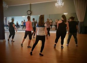 Salsa dance classes for women in Barrie.
